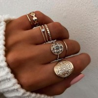 7 Pieces Woman Fashion Gold Plated Rings Set - Golden