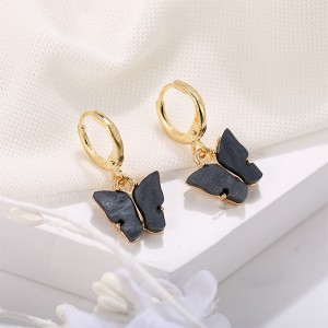 Carved Butterfly Gold Plated Women Fashion Earrings Pair - Black