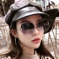Woman Frameless Gradient Sunglasses - Gray