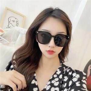 Girls Simple Big Frame Fashion Sunglasses - Black