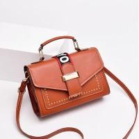 Magnetic Closure Buckle Style Vintage Style Handbags - Brown