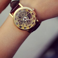 Analogue Mechanical Automatic Leather Strapped Wrist Watch
