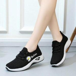 Breathable Flower Thread Art Sports Wear Sneakers - Black