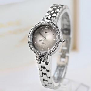 Chain Strapped Women Fashion Bracelet Wrist Watch - Silver