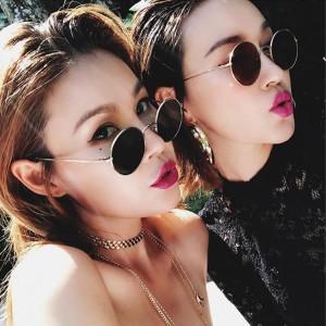 Unisex Retro Round Gold Frame Fashion Sunglasses - Black