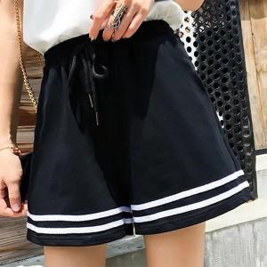 String Elastic Waist Casual Wear Women Shorts - Black