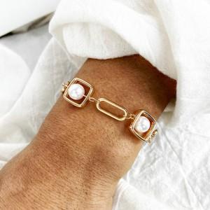 Fashion Ladies Pearl Alloy Bracelet - Golden
