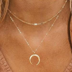Moon Pendant Chain Braid Women Fashion Necklace - Golden