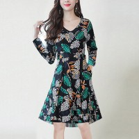 Leaves Printed Full Sleeve A-Line Midi Dress - Green