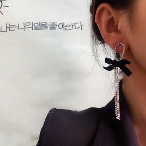 Sweet Girl Bowknot Rhinestone Tassel Earrings - Black Silver