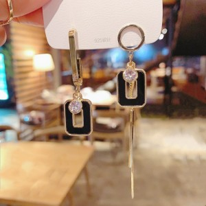 Fashion Square Imitation Shell Tassel Earrings - Black