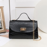 Textured Twist Lock Chain Strap Messenger Bags - Black