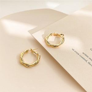 Ladies Fashion Simple Circle Earrings - Golden
