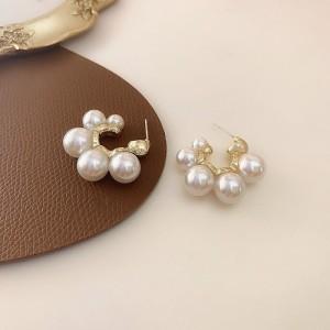 Girls Fashion Pearl Circle Earrings - White