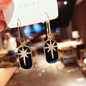 Ladies Rhinestone Star Decoration Earrings - Black Gold