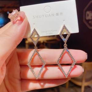 Girls Rhinestone Rhombus Decorative Earrings - Golden