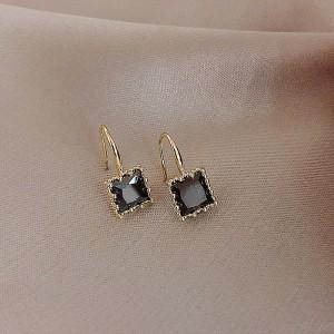 Ladies Simple Elegant Crystal Earrings - Black