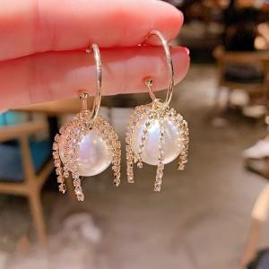Girls Wild Pearl With Rhinestone Earrings - White