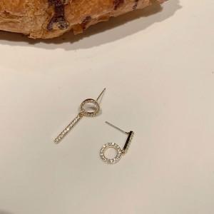 Girls Full Rhinestone Simple Earrings - Golden