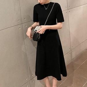 Round Neck Solid A-Line Midi Dress - Black