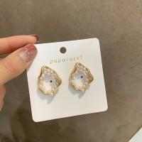 Fashion Girls Irregular Shape Earrings - White Gold