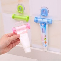 Multifunctional Creative Toothpaste Suction Cup Hanging Type Rolling One Pcs - Green