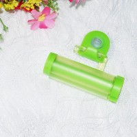 Multifunctional Creative Toothpaste Suction Cup Hanging Type Rolling - Green