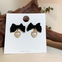 Girls Elegant Bow With Pearl Fashion Earring - Black