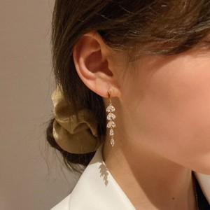 Girls Crystal Tassel Fashion Earring - Golden