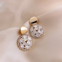 Woman Crystal Round Fashion Earrings - Golden