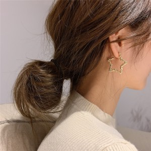 Ladies Star Style Popular Earrings - Golden