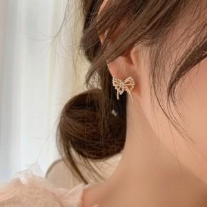 Woman Pearl Bow Fashion Earrings - Golden