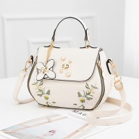 Thread Floral Art Twist Lock Synthetic Leather Handbags - White