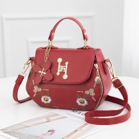Thread Floral Art Twist Lock Synthetic Leather Handbags - Red