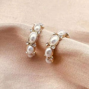 Girls Pearl Circle Fashion Earrings - White Gold