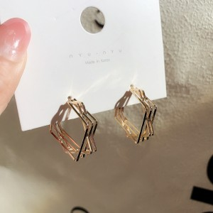 Girls Simple Multi Layer Square Decoration Earrings - Golden