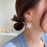 Girls Crystal Flower Fashion Earrings - Golden