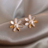 Girls Pearl Flower Fashion Earrings - White Gold