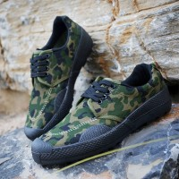 Camouflage Printed Lace Closure Unisex Flat Shoes - Green