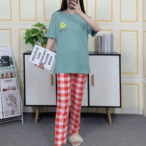 Short Sleeved Round Neck Top With Checks Bottom Trousers - Green