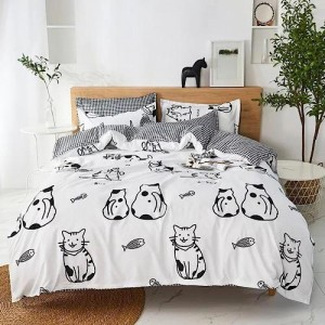Cat Design Queen / Double Size Bed Sheet With Duvet Cover Set of 6 Pieces