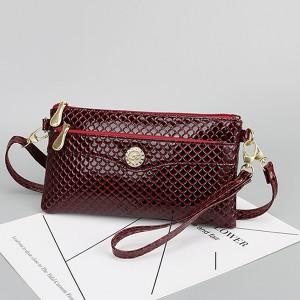 Shiny Zipper Closure Textured Messenger Bags - Burgundy
