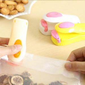 Mini Portable Food Clip Heat Sealing Machine - Cream White