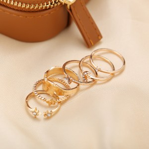 Crystal Gold Plated Wear Women Fashion Rings Set - Golden