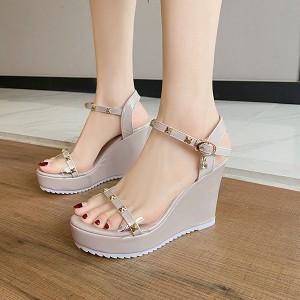 Crystal Decorative Platforms Thick Bottom Party Sandals - Khaki