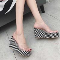 Check Prints Thick Bottom Platforms Women Fashion Sandals - Black