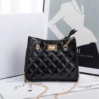 Chain Strap Patchwork Pattern Twist Lock Handbags - Black