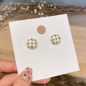 Ladies Fashion Silver Needle Plaid Ear Studs - White
