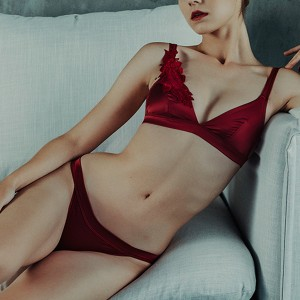 Satin Floral Patched Sexy Wear Bridal Lingerie Set - Wine Red