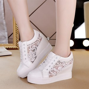 Floral Pattern Lace Closure Thick Bottom Sneakers - White